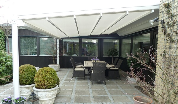 Gennius Retractable Roof Awning
