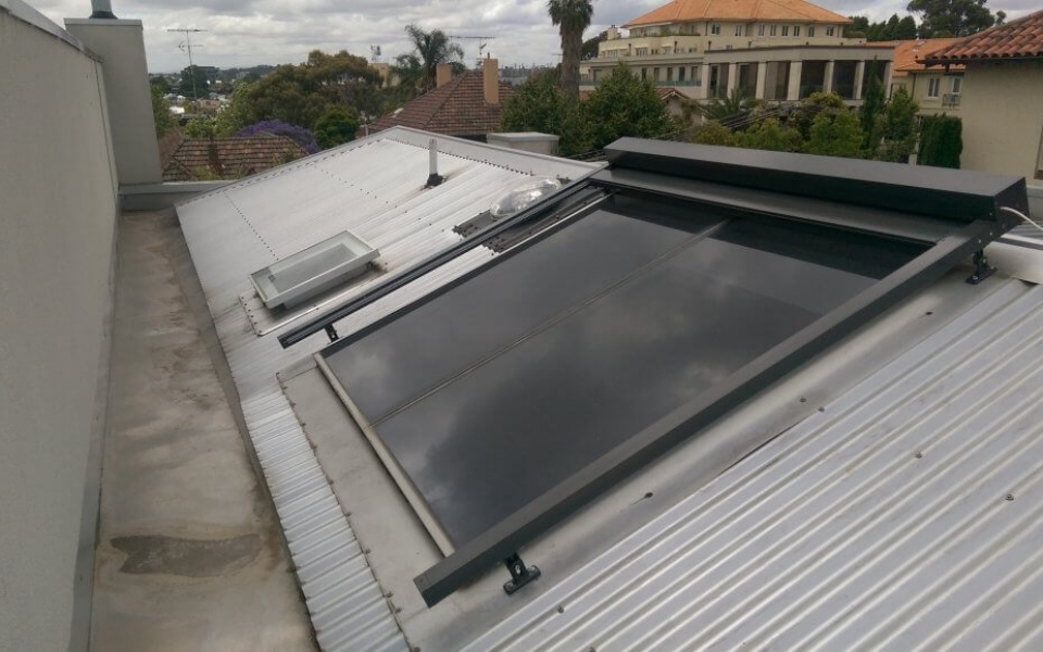 MOTORISED GLASS ROOF AWNING OPEN