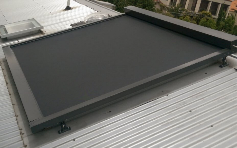 MOTORISED GLASS ROOF AWNING CLOSED